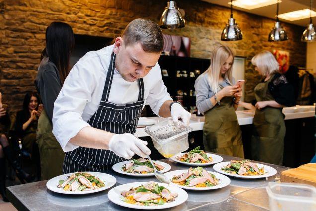 «Южный ужин» от Сергея Альшевского и Виктории Пархоменко, бренд-шефа и шеф-кондитера ресторанов курорта Абрау-Дюрсо
