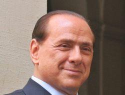 Неизвестная итальянка купила ужин с Берлускони