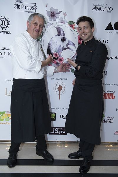 Французский шеф-повар Жоэль Гаро открыл фестиваль цесарки в Москве