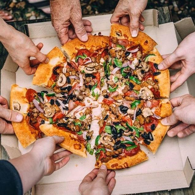 Pizza Hut раздает бесплатные пиццы тезкам номинантов на Оскар