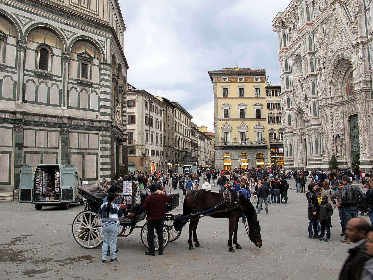 Итальянцы протестуют против строительства Макдональдса во Флоренции