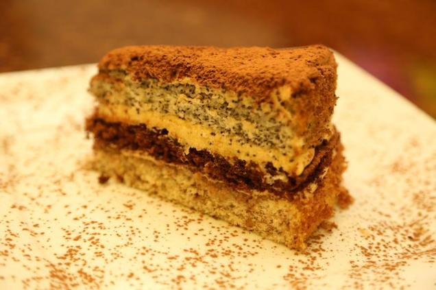 Фирменный многослойный торт Ландринъ