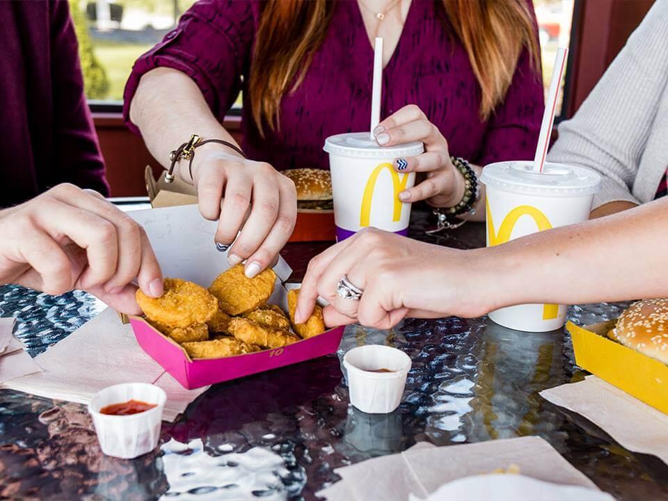 Макдоналдс запустит мобильное приложение по заказу еды