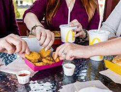 Макдоналдс перейдет на упаковку из переработанных материалов