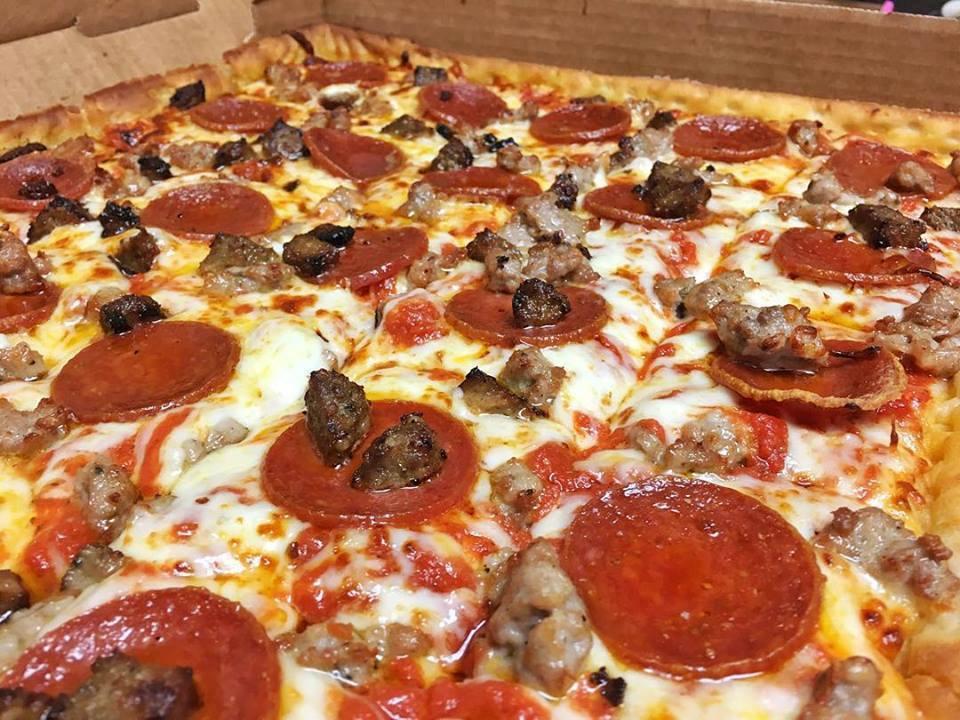 Американская пиццерия ввела в меню пиццу Hot Like Putin
