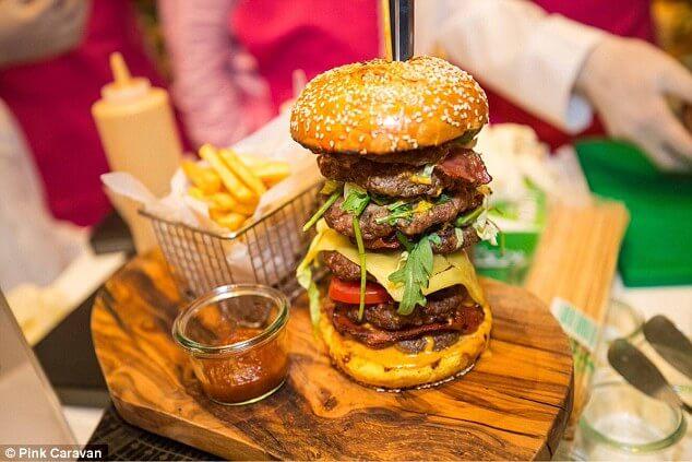 ВДубае продали самый дорогой гамбургер вмире