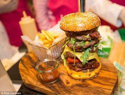 В Дубае продали самый дорогой гамбургер в мире