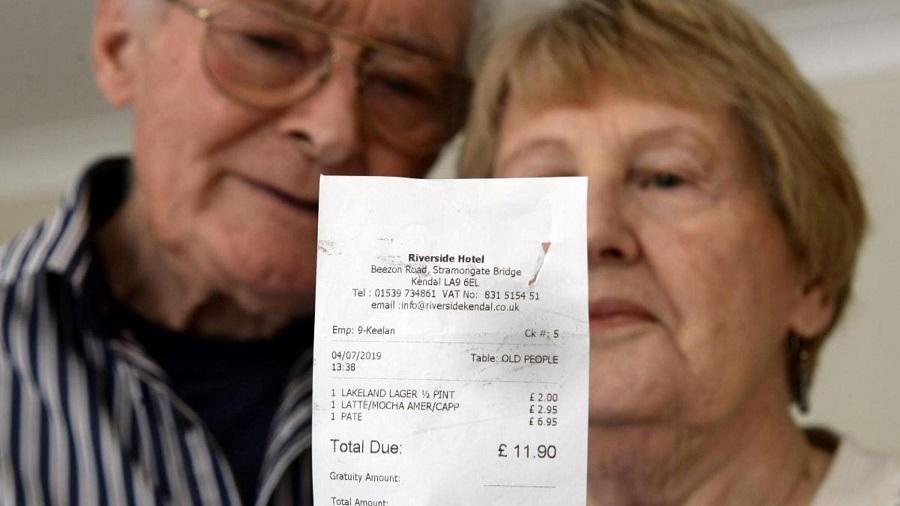 Британские пенсионеры были в шоке, когда узнали, как их назвал официант