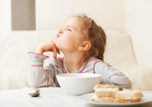 В детских садах перестанут угощать булочкой с кефиром
