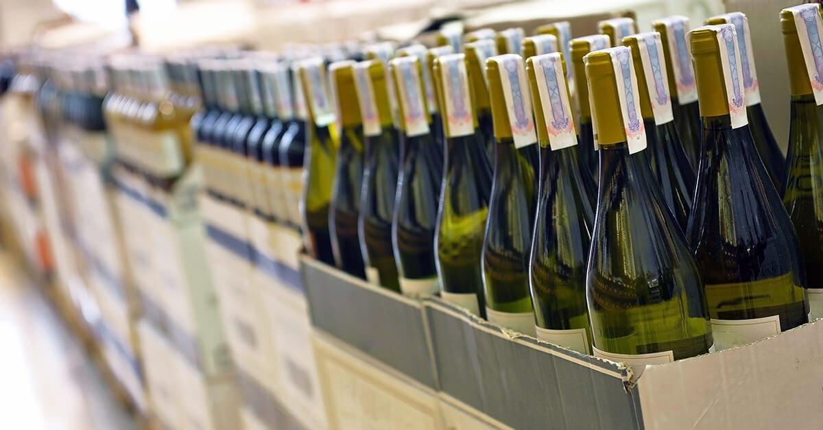 Алкогольные напитки будут продавать без паспорта