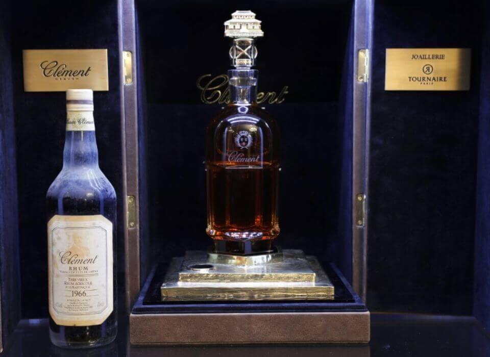 Во Франции продали самую дорогую бутылку рома в мире