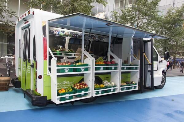 В Москве запустят круглогодичные автолавки с мясом и овощами