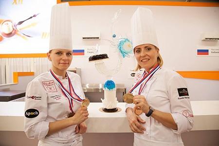 Наталья МАКАРЕНКО и Валерия СИДОРОВА стали победительницами национального отборочного тура Кубка мира по кондитерскому искусству