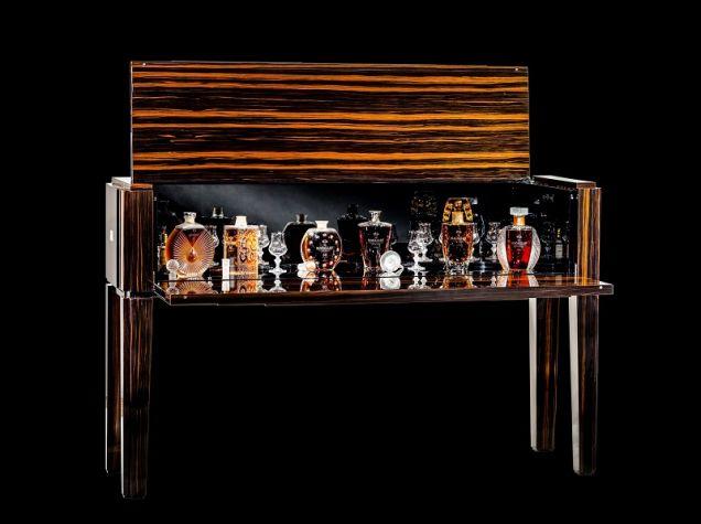 Коллекция из шести декантеров The Macallan in Lalique Legacy Collection ушла почти за миллион долларов