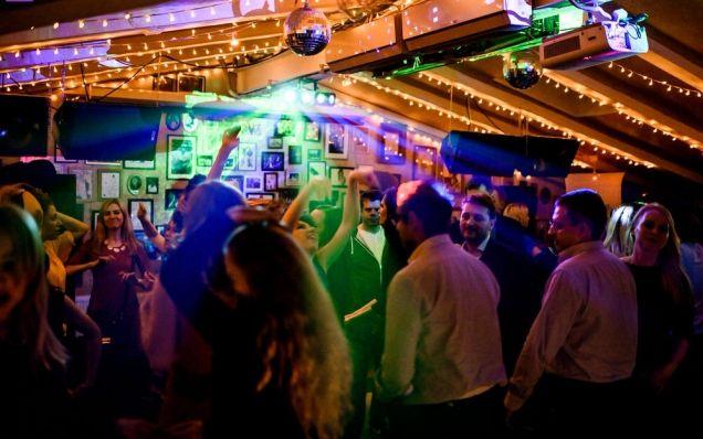 В барах на Дальнем Востоке запретят алкоголь после 23.00