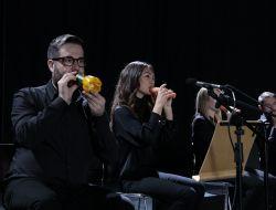 Видео: Лондонский оркестр сыграл на музыкальных инструментах из овощей