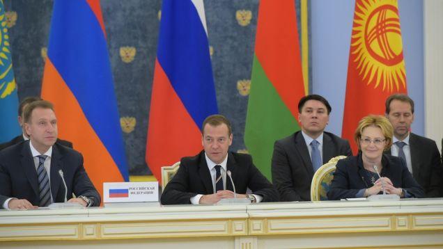 """Медведев предложил говорить """"русиано"""" вместо американо"""