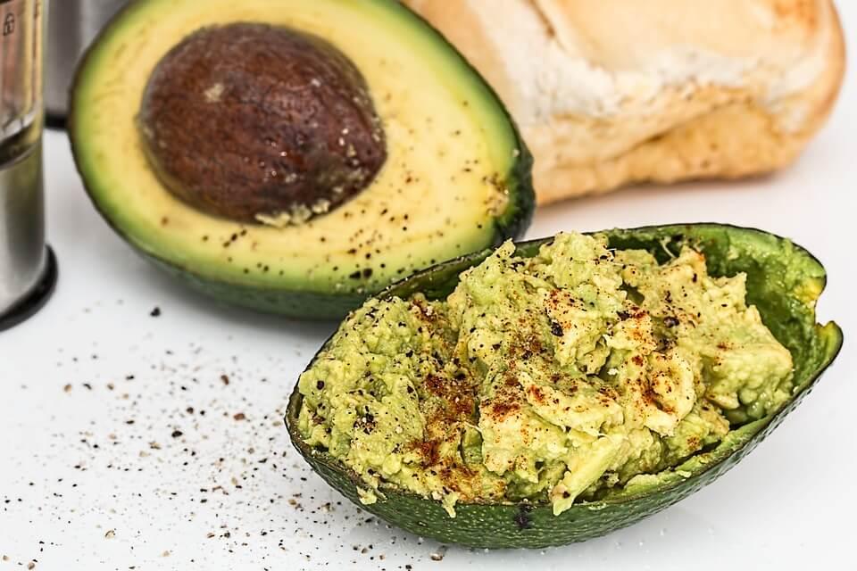 Британский ресторан официально запретил авокадо в меню