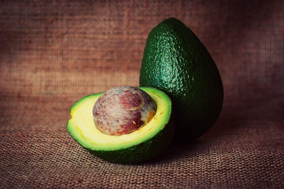 Самая полезная часть авокадо – косточка