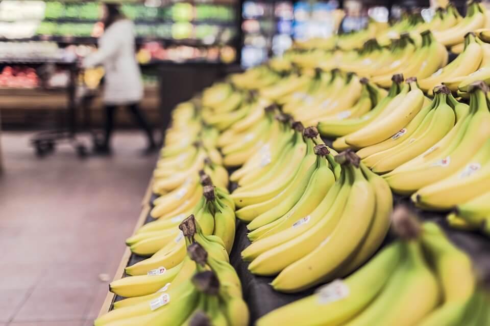 Британцы выбрасывают 160 млн бананов в год