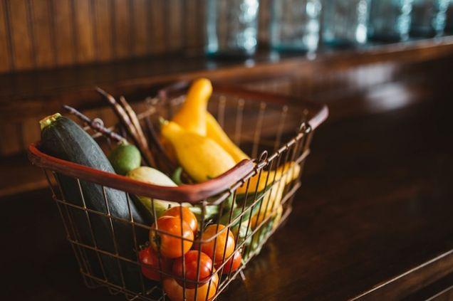 Мнение: Можно сохранять здоровье, питаясь одним лишь набором из потребительской корзины