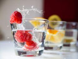 Супер-вода: 7 напитков, которыми можно утолить жажду этим летом