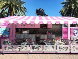 В США открылось первое кафе Hello Kitty