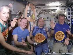 На МКС впервые испекли пиццу