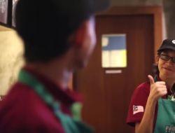 Starbucks открыла первую кофейню с глухими бариста