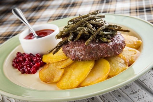 Бифштекс из мяса оленя