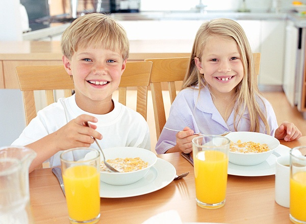 Дети, которые завтракают, лучше учатся
