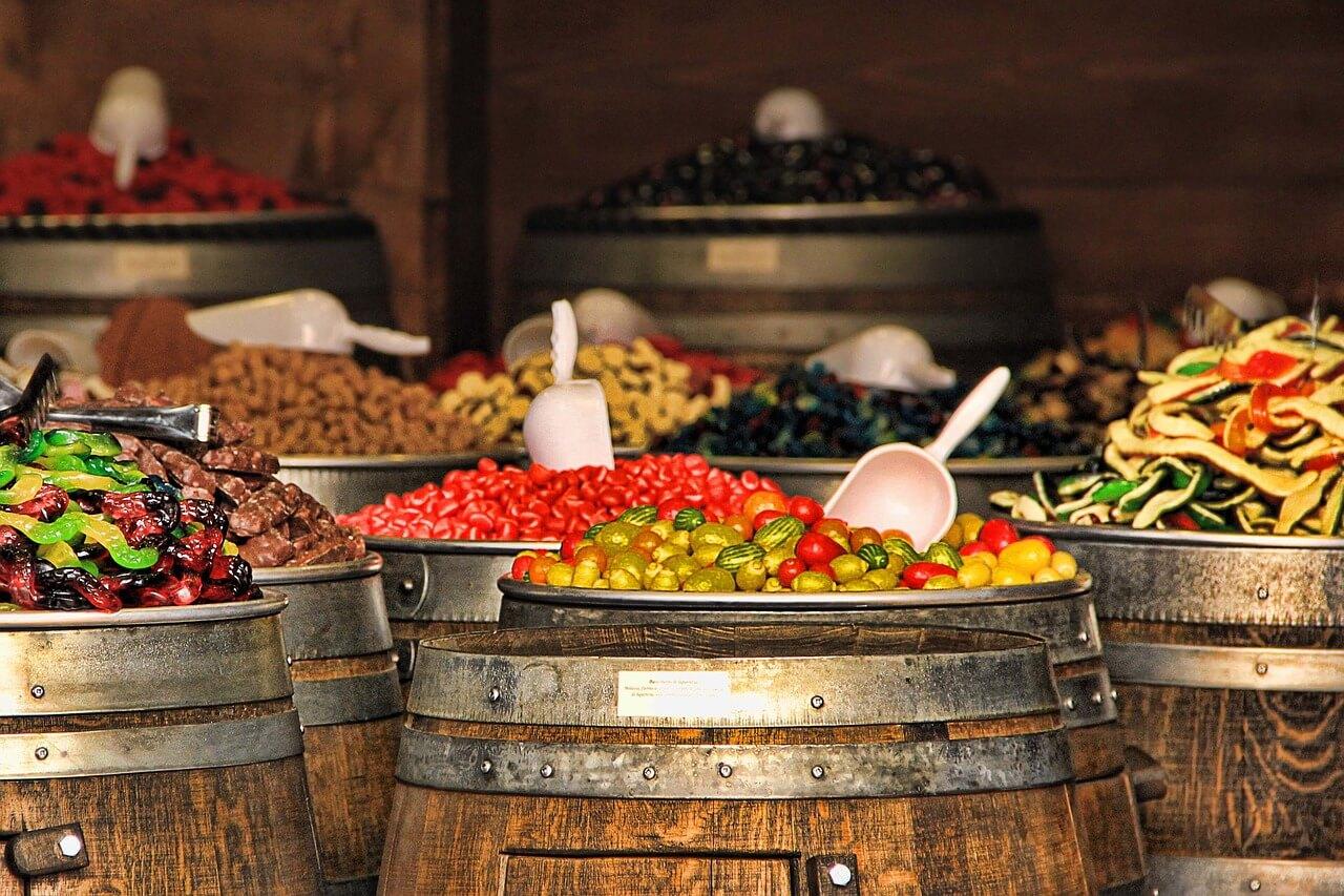 Бабушки с Урала будут производить сладости для Lipton