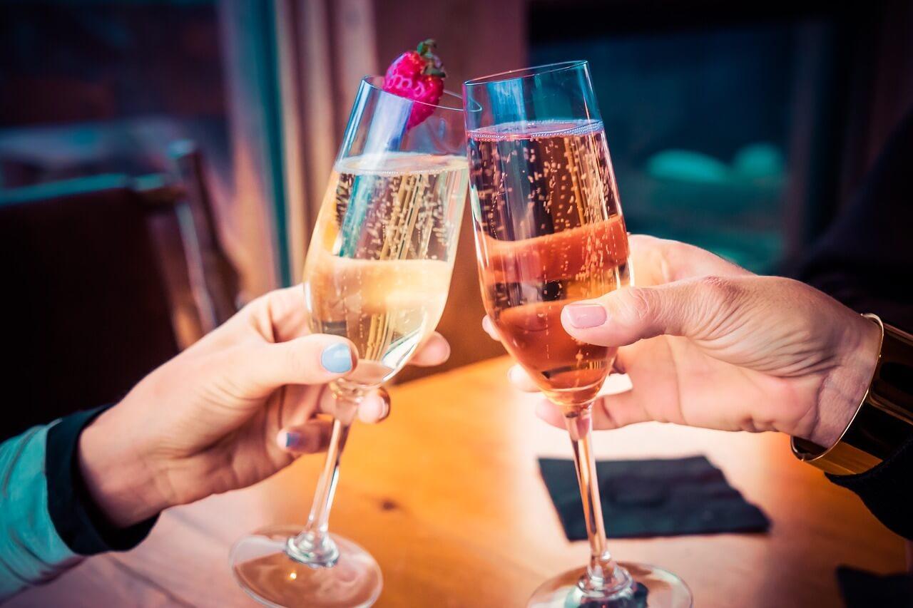 В новогодние праздники ограничат продажу спиртного