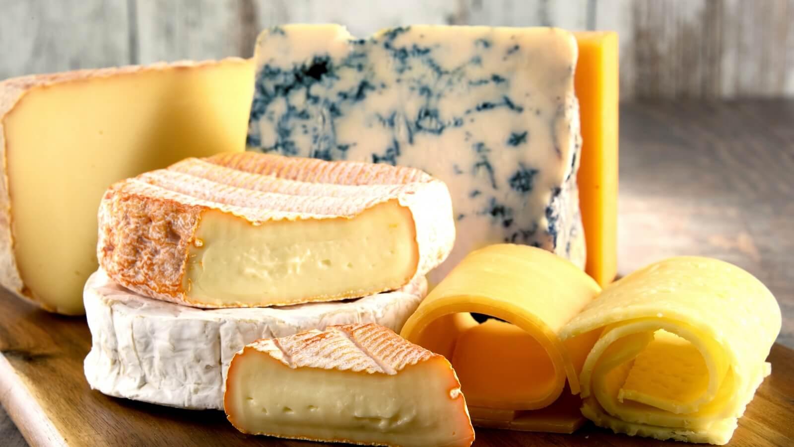 Отечественные фермеры привезут более 100 сортов сыра на «Сырные дни»