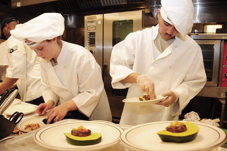 7 советов от зарубежных шеф-поваров, чтобы стать профи на кухне