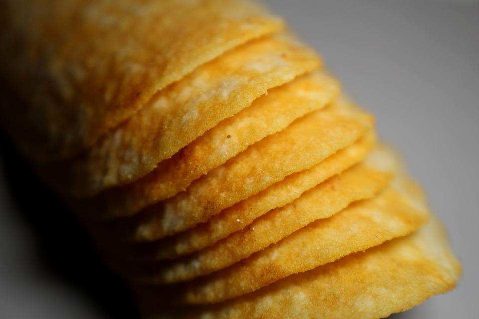 Якутские школьники изобрели полезные чипсы из карасей