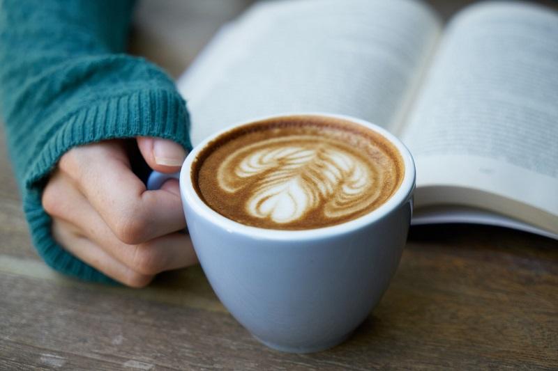 В библиотеках Москвы откроют кофейни