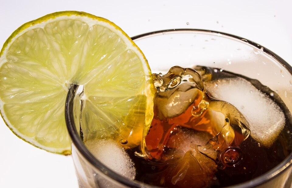 Во Франции отменили систему безлимитных напитков