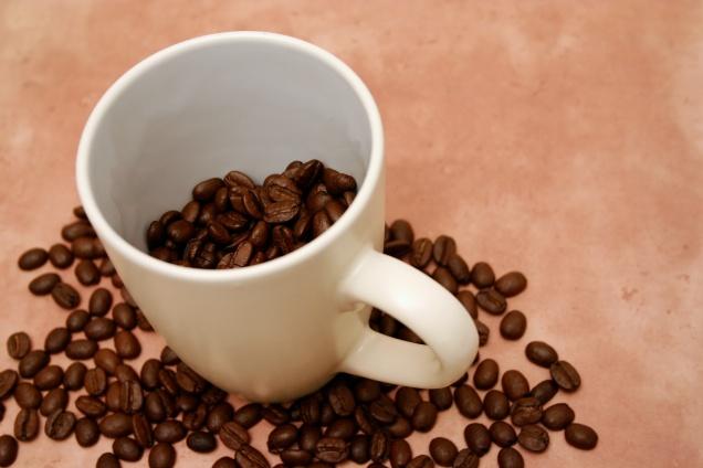 60%  россиян не смогут отказаться от кофе по утрам