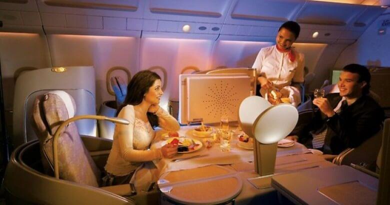 10 авиакомпаний мира с восхитительной кухней