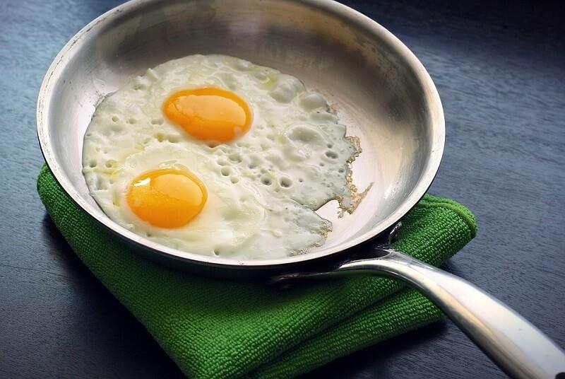 Яйца спасают от инсульта