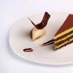 Фисташковое пирожное с сорбетом из личи и Эффектом