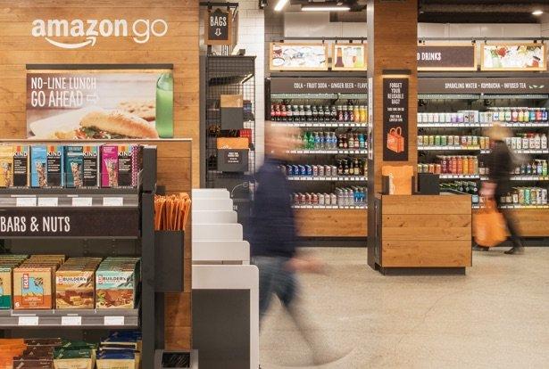 Amazon открыл первый в мире супермаркет без касс и продавцов