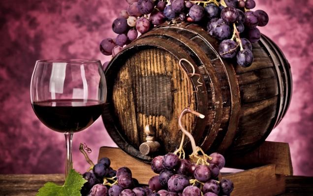 Красное вино и ягоды назвали новой Виагрой
