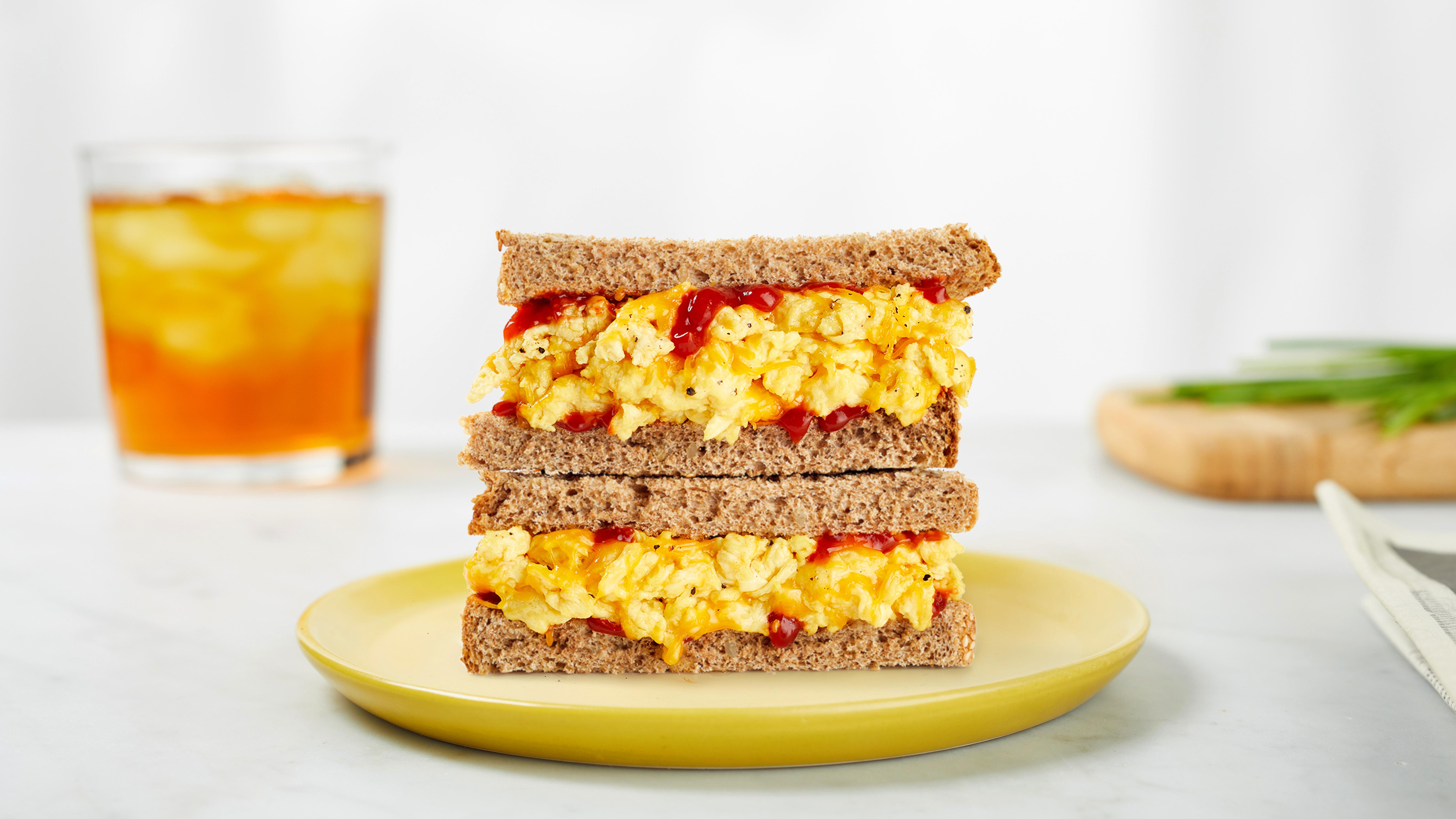 В канадской сети закусочных начали тестировать сэндвичи с искусственными яйцами