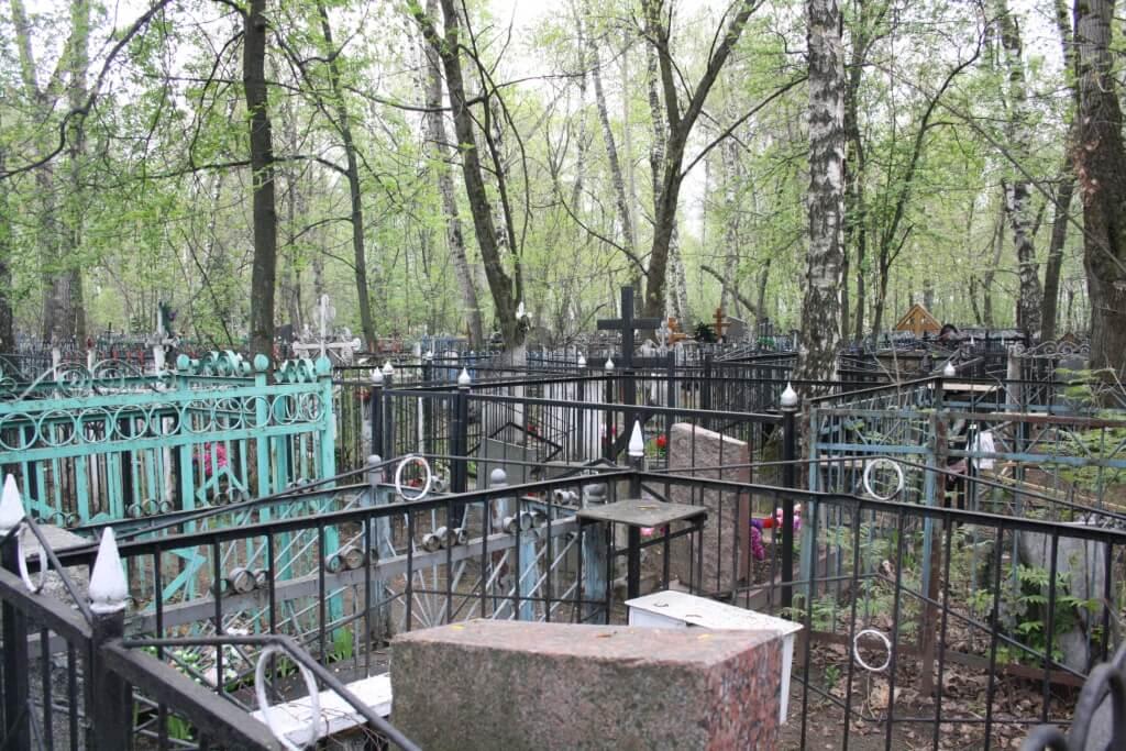 На московских кладбищах установили торговые автоматы