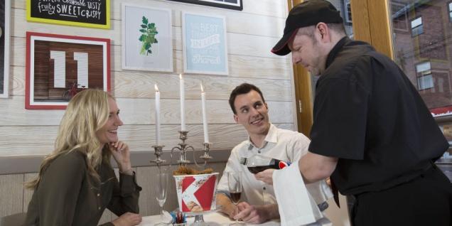 В День Святого Валентина в KFC появится бронь столиков