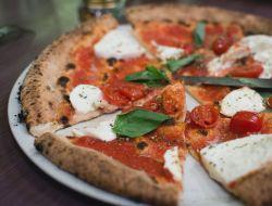 Искусство приготовления неаполитанской пиццы внесли в список культурного наследия ЮНЕСКО