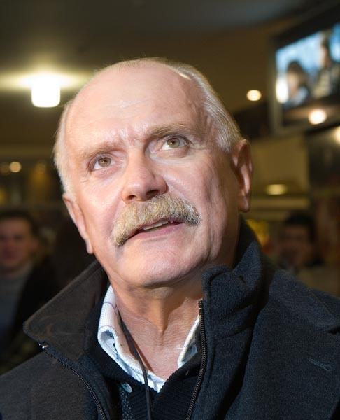 Михалков решил сменить название сети русского фастфуда