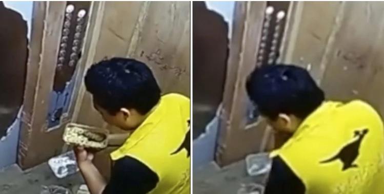 В Китае застукали курьера, поедающего лапшу клиента
